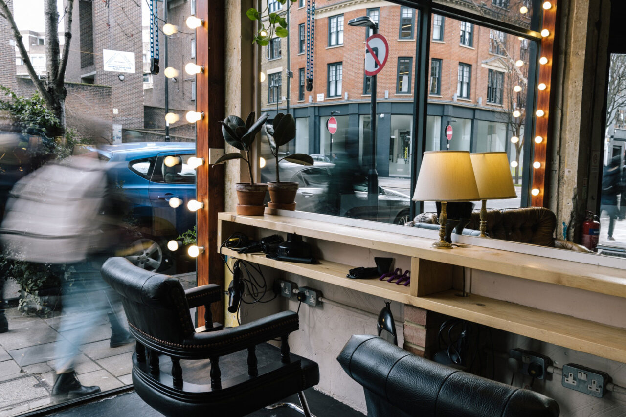 Hair stylist cutting and colouring station in Farringdon at ESHK hair Barbican