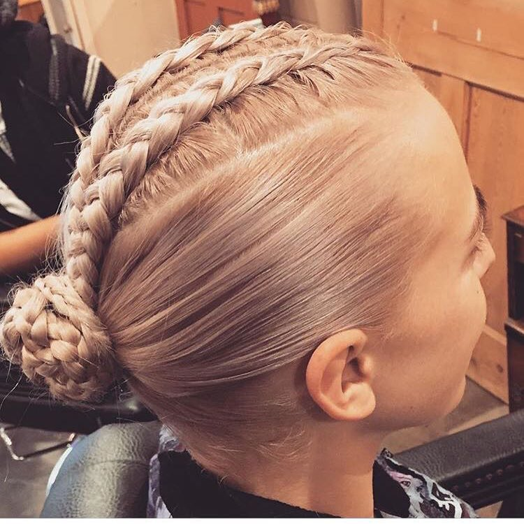 blonde plait and natural hair highlights in london