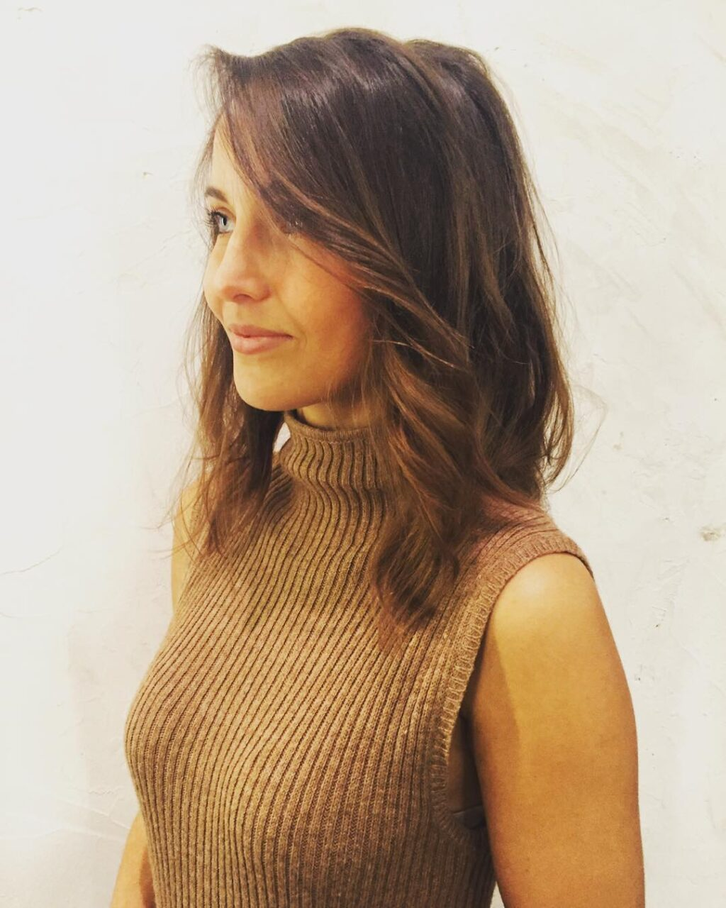 subtle balayage brown hair styling in farringdon
